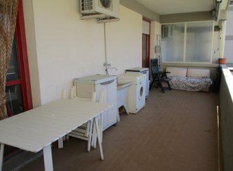 15A – Appartamento climatizzato con posto auto e ampia terrazza abitabile coperta.