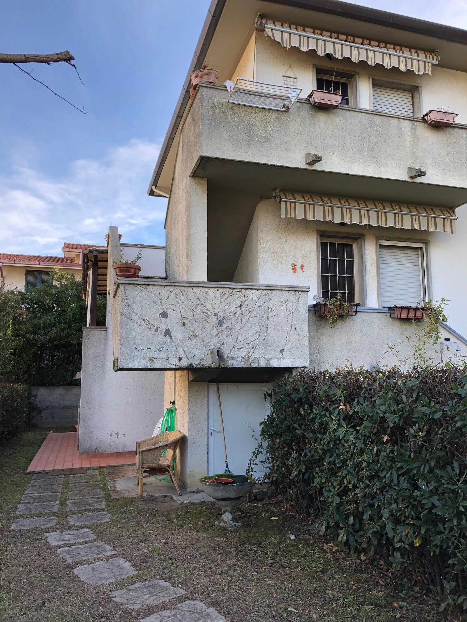 59V – Bilocale con garage e giardino